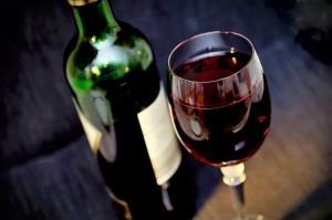 veganer Wein, Rotwein, Weinglas